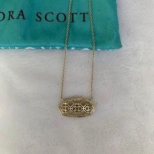 Kendra Scott Dollie Pendant in gold filagree